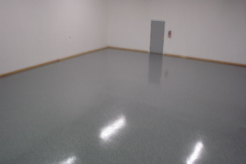 Bozeman Epoxy Floor Coating and Refinishing in Gray Speckled Paint
